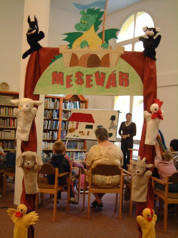 A Mesevár kapuja a Gyermekkönyvtárban