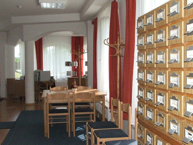 Kunszentmártoni könyvtár olvasóterme